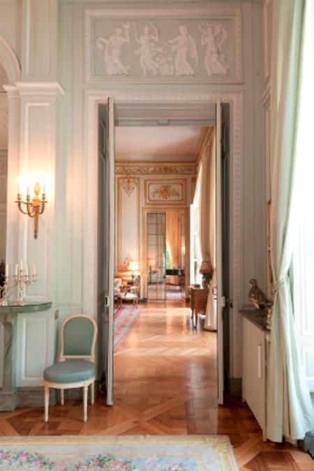 L'hôtel de Besenval : l'enfilade des salons
