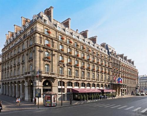 Hôtel Le Hilton Paris Opéra - La façade principale donnant sur la rue Saint-Lazare