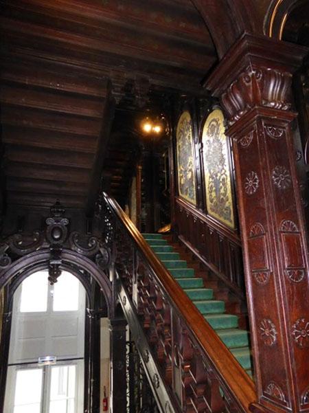 L'hôtel Gaston Menier : l'escalier