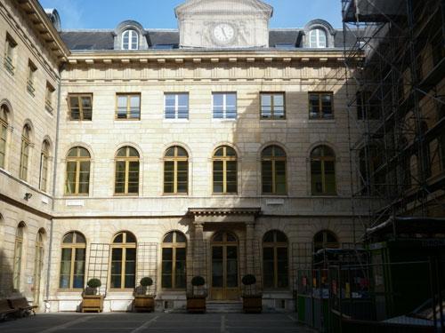 L'hospice Beaujon - La façade sur cour