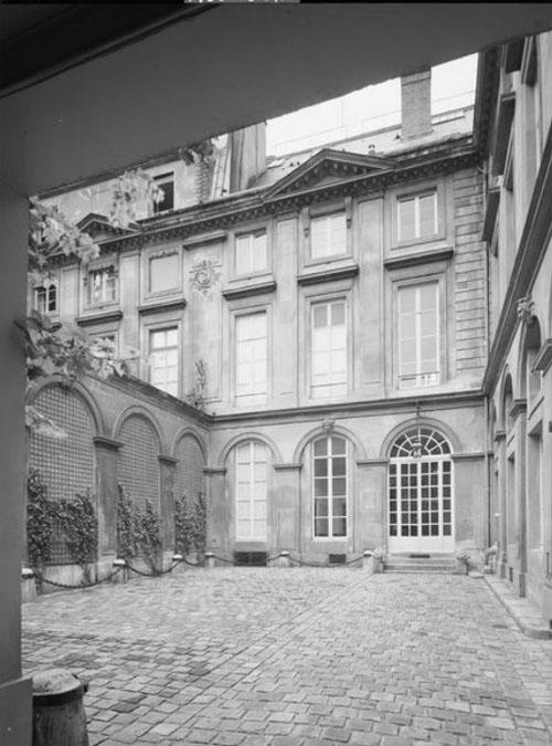 L'hôtel du n°118 - La façade sur cour