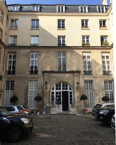 L'hôtel Cornuel - Le logis en fond de cour