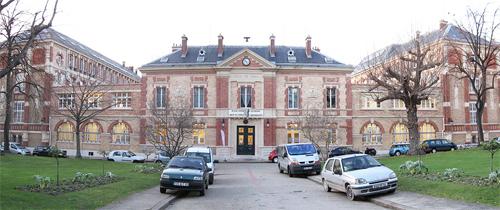 L'école Estienne : la façade donnant sur le boulevard Auguste Blanqui