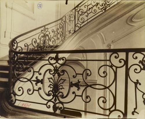L'hôtel Dodun : le grand escalier
