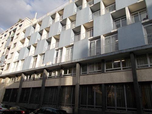 Le foyer franco-libanais - La façade rue d'Ulm : une partie des studios bénéficie de loggias