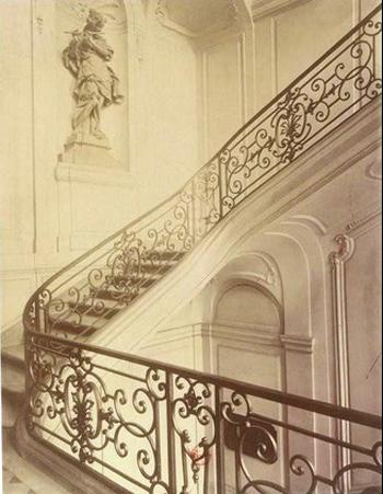 L'hôtel Dodun : la cage d'escalier - Photographie ancienne