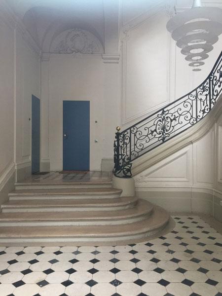 L'hôtel Dodun : le vestibule et l'escalier d'honneur