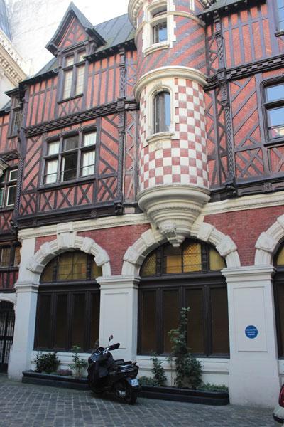 L'hôtel Henri Menier - Les communs dans la cour