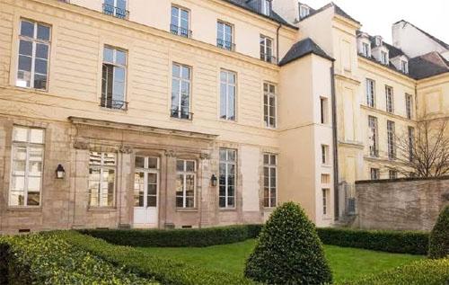 L'hôtel de Vigny - La façade sur jardin