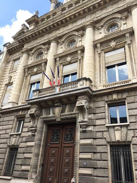 Le Ministère de l'Agriculture : l'un des deux pavillons placés aux extrémités de la façad