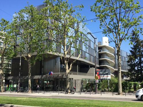 Le campus Jourdan : la façade donnant sur le jardin