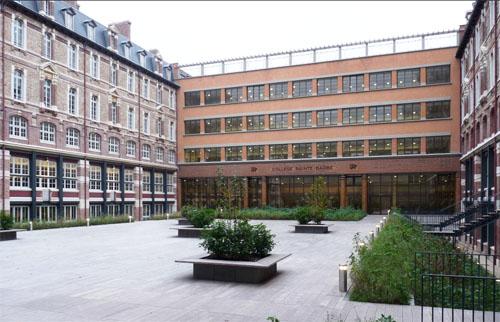Le collège Sainte-Barbe : la cour intérieure aujourd'hui