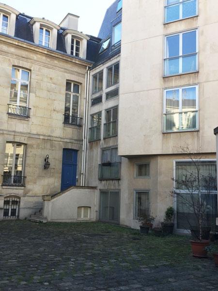 Hôtel particulier locatif - Le bâtiment moderne raccordé à l'hôtel