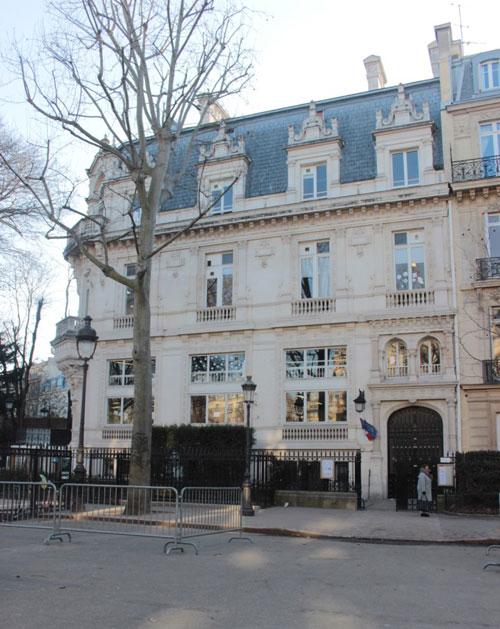 L'hôtel Reinach : la façade donnant sur l'avenue Van-Dyck