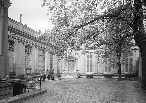 Hôtel de Chaneleilles Façade sur cour