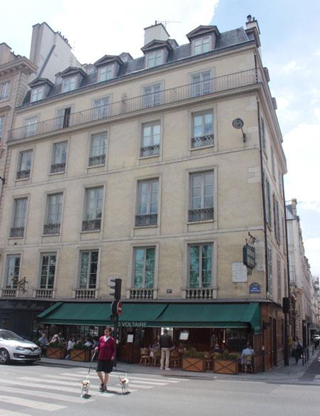 L'hôtel de Villette - La façade sur le quai Voltaire