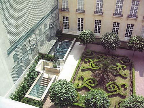 L'hôtel de Bondeville - Le jardin