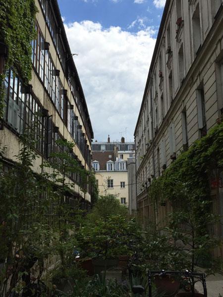 Cour industrielle Rue Sedaine
