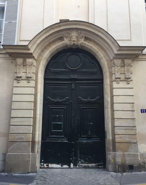 L'hôtel de Brunvilliers : le portail