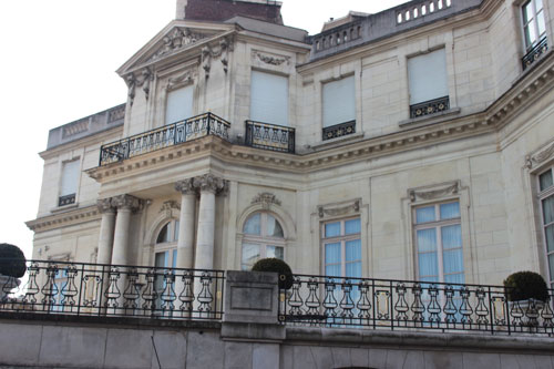 L'hôtel Errazu : la façade donnant sur le jardin du Trocadéro