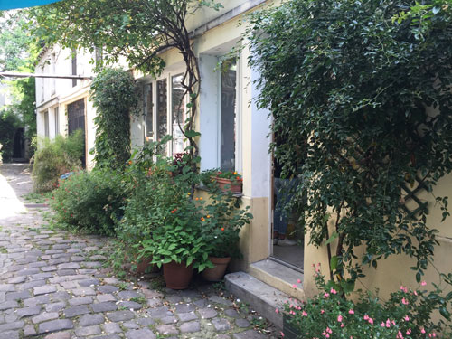 Cour ancienne au n°173 rue du faubourg Saint-Antoine