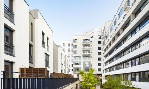 Résidence étudiants et logements Rue de Meaux : les maisons de ville et la résidence étudiante se font face