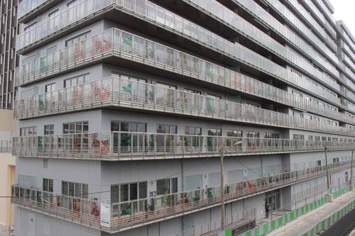 Logements et bureaux rue Bernard Buffet -Les façades sérigraphiées