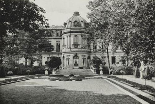 L'hôtel de Cassini : la façade sur le jardin - Photo ancienne