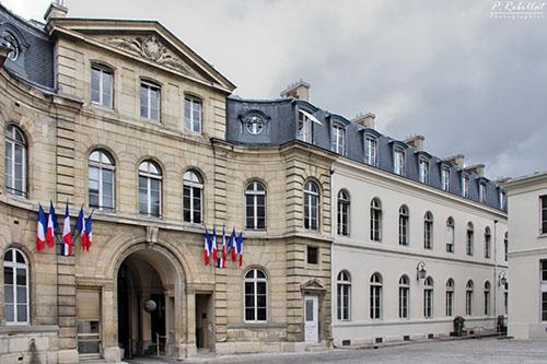 L'hôtel de Montmorin : le revers du portail