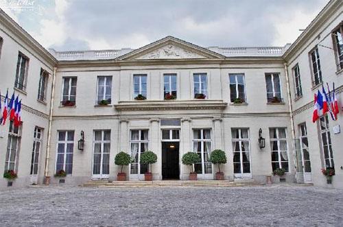 L'hôtel de Montmorin : la façade sur cour