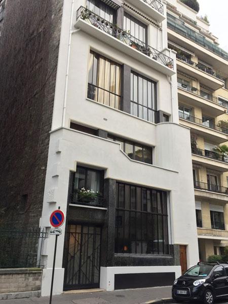 Logements Rue du docteur Blanche : la façade sur rue joue avec les retraits successifs