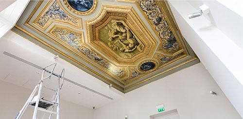 L'hôtel Desmarets : un plafond ancien en cours de restauration,