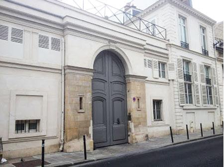 L'hôtel de Maillebois : le portail