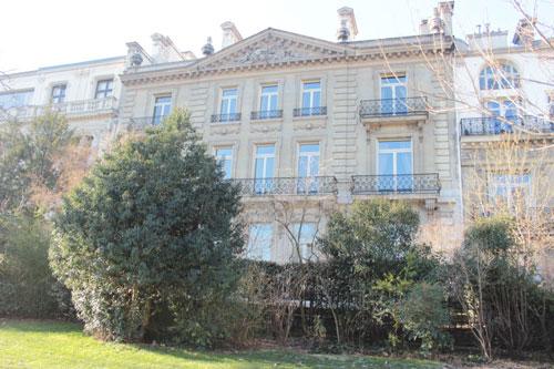 La fondation Del Duca : la façade de l'hôtel donnant sur le parc Monceau