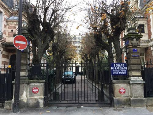 Le square du Ranelagh : l'entrée fermée par une grille