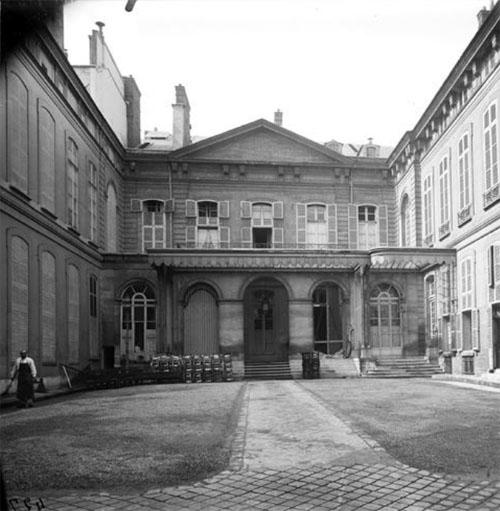 L'hôtel d'Orrouer : la façade sur cour