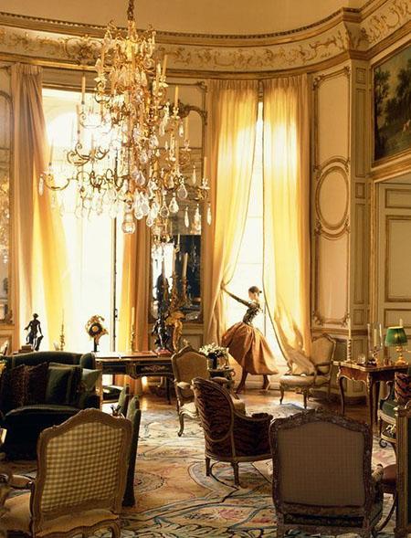 L'hôtel d'Orrouer - Salon habillé de boiseries balnc et or