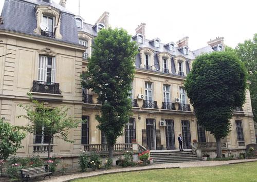 L'hôtel des Monstiers-Mérinville : la façade donnant sur le jardin