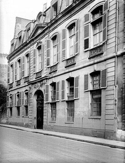 L'hôtel du Prat : la façade sur rue