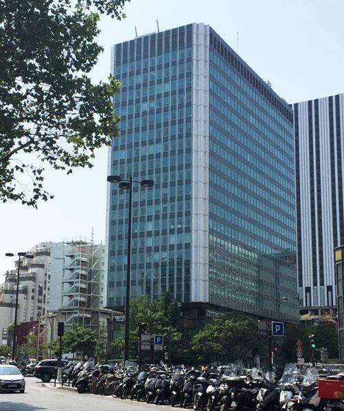 Le Héron Building