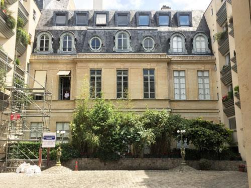 L'hôtel de Vaudreuil : la façade sur cour