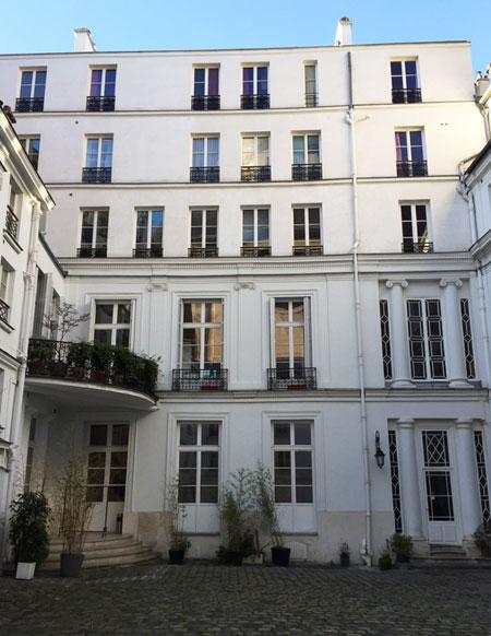L'hôtel des Vivres : il a été fortement remanié et surélevé au XIXe siècle