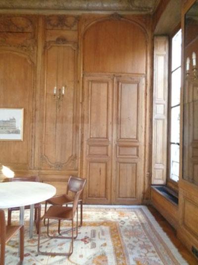 L'hôtel de Mailly-Nesle : un salon doté de boiseries Régence