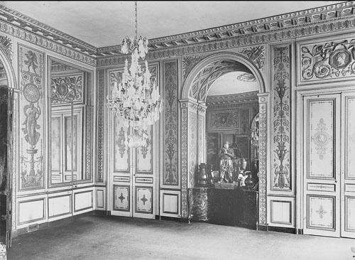 L'hôtel de Mazarin : boiseries de l'un des deux salons Empire