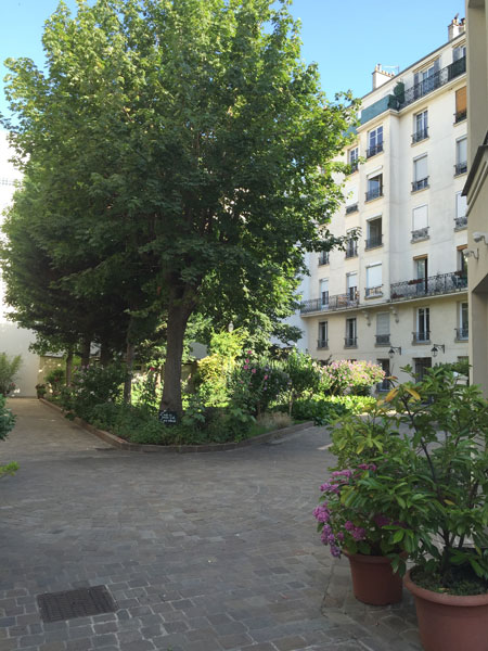 Cour cachée Avenue de Clichy