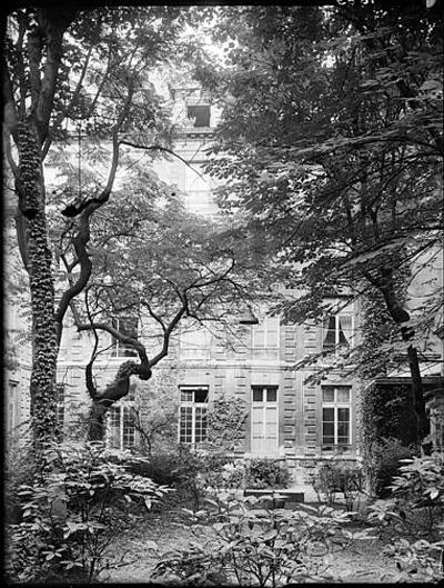 L'hôtel de Vassan : la façade sur le jardin