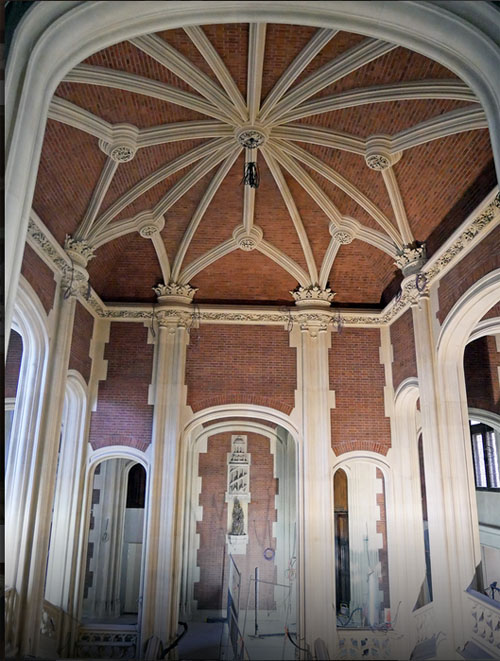 L'hotel Gaillard : plafond néo-gothique