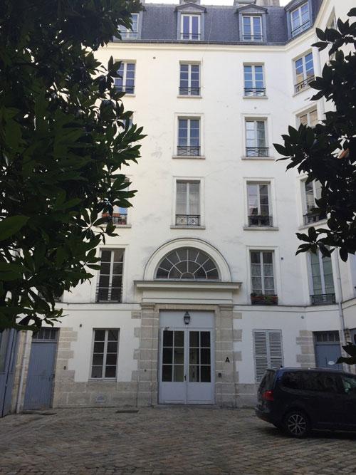 L'hôtel de Melun : le bâtiment en fond de cour ajouté au milieu du XIXe siècle