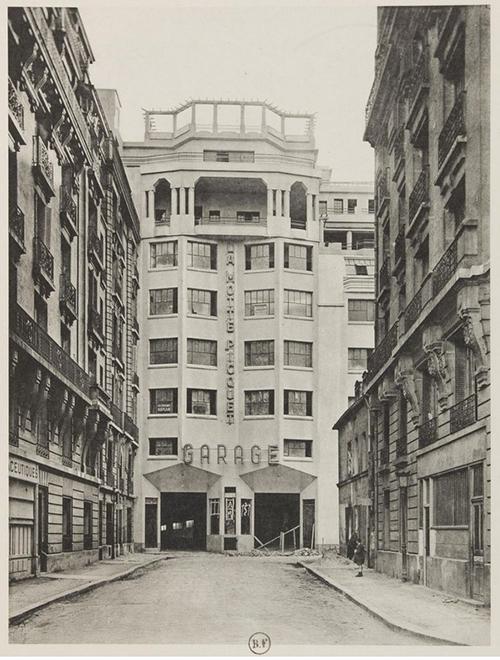 Garage Motte-Picquet ou garage de la rue de la Cavalerie (Photographie ancienne)