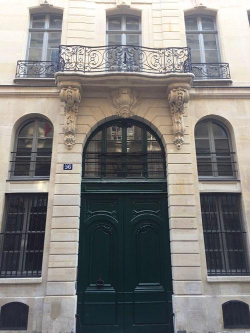 L'hôtel de Fontenay : l'immeuble Claustrier donnant sur la rue